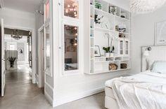 Accente vintage și dormitor ascuns la înălțime într-un apartament de 78 m² Jurnal de design interior