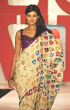 I heart ❤ saree. From Satya Paul. I've been looking all over for it
