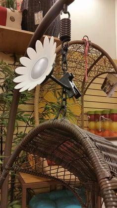Daisy flower light that clips on.