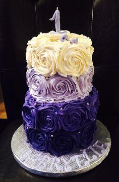 Gateau rosette ☺️mon premier a la poche a douille Cake, Desserts, Wedding, Beginning Sounds, Pie Cake, Tailgate Desserts, Valentines Day Weddings, Pastel, Cakes