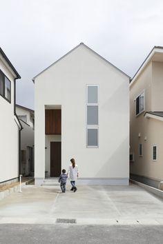 미로같은 집속의 집, 목재의 모던한 작은집 인테리어 일본 교토에 위치한 목재를 사용한 모던한 작...