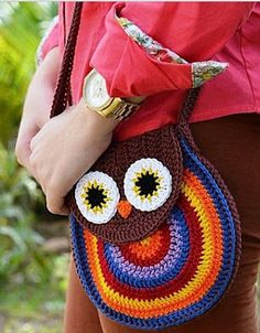 hehe, I like this crochet owl bag so bad Crochet Owl Purse, Crochet Owls, Crochet Handbags, Crochet Purses, Love Crochet, Crochet For Kids, Crochet Crafts, Crochet Yarn, Crochet Projects