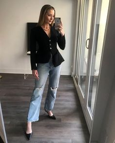 The Anti-Skinny Jean Trend That's Back and Cooler Than Ever