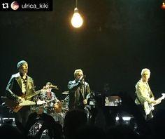 «#Repost @ulrica_kiki ・・・ Excellent evening entertainment in Globen. #u2ietour #u2 #u2stockholm»