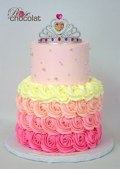 This cake is fit for a princess! Cute birthday cake with buttercream rosettes by Rose et Chocolat