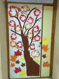 Decoración puerta aula otoño