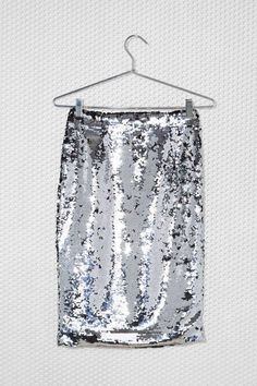 silver sequin skirt - love!