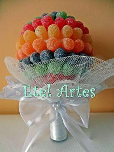 A Etel Artes está com mais novidades para você inovar no seu casamento!    Buquê para as daminhas!!    As daminhas, sempre muito lindas, dão...