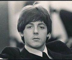 1965 - Paul McCartney in Help! Paul Mccartney Beatles, My Love Paul Mccartney, Lennon And Mccartney, Great Bands, Cool Bands, Music Rock, Rock & Pop, Les Beatles, Beatles Photos