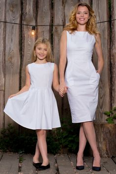 25 Lovely Mommy And Daughter Outfits Mother Daughter Pictures, Mother Daughter Fashion, Mom Daughter Matching Dresses, Matching Outfits, Mom And Baby Outfits, Girl Outfits, Mom Dress, Baby Dress, Junior Girls Clothing
