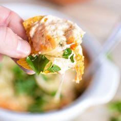 Roasted Garlic White Pizza Dip #superbowl #footballfood