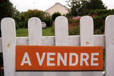 "Gate 'for sale"" in French"