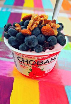 greek yogurt (almonds + berries) #healthy