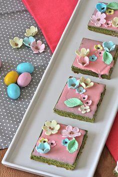 La tana del coniglio: Trancetti al tè Matcha glassati per Pasqua