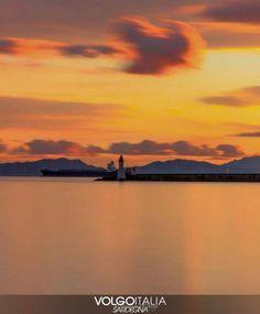 Sardegna: #Porto di #Cagliari  Foto di @domspiga84  #portodica... (volgo_sardegna) (link: http://ift.tt/2fQZUv2 )