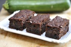 """750g vous propose la recette """"Gâteau chocolat courgette"""" notée 4.1/5 par 23 votants."""