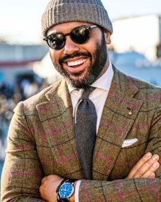 Angel Bespoke - A man who knows how to put those ensembles together right. Gentleman Mode, Dapper Gentleman, Gentleman Style, Angel Bespoke, Outfit Man, Beard Styles For Men, Herren Outfit, Men Style Tips, Suit And Tie