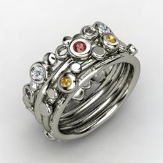 love this mothers ring ;)