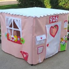 Card Table Playhouses {Patterns are $25.00 @ her etsy shop - Julie also sells super cute pre-made houses @ http://www.missprettypretty.etsy.com}