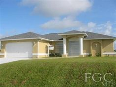 1225 NE 10th Ln Cape Coral, FL 33909