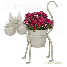 Gato maceta metal de color beige para plantas y flores. Altura: 49 cms.http://www.lallimona.com/online/macetas-jardin/