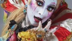 Kefka (Final Fantasy VI) comes alive with this amazing Japanese cosplay: Check out the amazing Kefka costume from Final Fantasy VI, by…