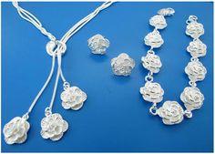Bratara, lantisor, cercei – SET TRANDAFIRI din Argint China Jewelry, Gold Jewelry, Jewelry Necklaces, Bracelets, Jewelry Sets, Jewelry Accessories, Flower Plates, Flower Bracelet, Gold Set