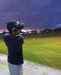 The perfect ball control finish ! Golf Academy, Mario, Pride, Baseball Hats, Fashion, Moda, Baseball Caps, Fashion Styles, Caps Hats