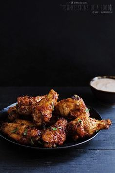 Tried Harissa? These Harissa Chicken Wings with Herbed Yogurt Dipping Sauce are a yummy introduction. From {Confessions of a Foodie} Chicken Pizza, Chicken Wing Recipes, Chicken Wings, Chicken Menu, Jerk Chicken, Fried Chicken, Harissa Chicken, Tandoori Chicken, Sauce Recipes