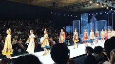 """BST """"Mộng Mị"""" từ NTK Thuỷ Nguyễn với thông điệp mong muốn những trái tim yêu thời trang hãy mãi mãi để tâm hồn và trái tim mình thả trôi vào thế giới huyền ảo của những giấc mơ hạnh phúc. #ellevietnam #ellevn #ellenews #tinthoitrang #tapchithoitrang #fashionshow #thoitrangviet  via ELLE VIETNAM MAGAZINE OFFICIAL INSTAGRAM - Fashion Campaigns  Haute Couture  Advertising  Editorial Photography  Magazine Cover Designs  Supermodels  Runway Models"""