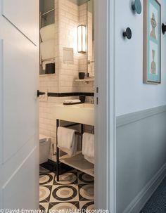 Une salle de bains de l'hôtel Adèle & Jules