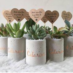 Best 12 Set of 3 concrete pots cement planters pencil holder modern home decor industrial style beton deko small square pot for office – SkillOfKing. Diy Home Crafts, Diy Crafts To Sell, Concrete Crafts, Concrete Planters, Painted Pots, Plant Decor, Flower Pots, Diy Gifts, Wedding