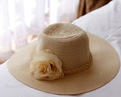 Sweet straw hat beach hat Ms dome large canopies shade the sun cap