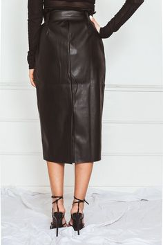 Long Leather Skirt, Skirt Outfits, Modest Fashion, High Waisted Skirt, Tie, My Style, Skirts, Dress, Black