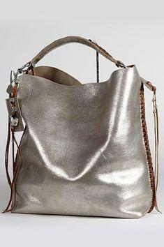 Carteras de moda 2018 Ralph Lauren Totes, Ralph Lauren Purses, Ralph Lauren Handbags, Purse Wallet, Silver Handbags, Silver Bags, Trendy Handbags, Purses And Handbags, Fashion Handbags