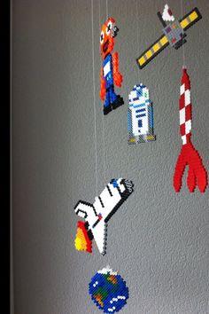 DIY Bügelperlen-Weltraum-Mobilé im Détail DIY Bügelperlen-Weltraum-Mobilé im Détail Craft Room Desk, Craft Room Tables, Preschool Activities At Home, Kindergarten Art Projects, Mazes For Kids, Printable Puzzles For Kids, Origami Rocket, Fly Craft, Lego Craft