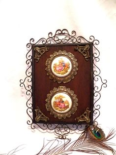 Marco Antiguo Español, Marco Art Nouveau, Porcelana Limoges, Marco Hierro Forjado, Conjunto Decorativo XIX, Decoración Pared XIX, Fragonard Art Nouveau Frame, Decorative Plates, Etsy, Vintage, Home Decor, Spanish Tile, Vintage Tile, Wall Crosses, Mirror Jewelry Storage