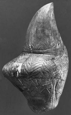 Stylized female figurine from Mezin. Photo: ©A. Marshack Source: Soffer et al. (2000)http://donsmaps.com/images24/mezinvenus.jpg