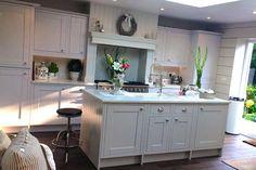 An Innova Harewood White Kitchen - http://www.diy-kitchens.com/kitchens/harewood-white/details/
