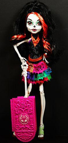 Monster High  www.dollsindystopia.blogspot.com