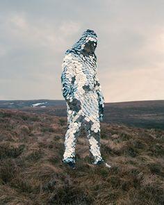 "Juxtapoz Magazine - Laura Thompson's Photoseries ""Senseless"" Explores the Break Between Humans and Nature Tachisme, Javier Marin, Terra Nova, Glasgow School Of Art, Photo Portrait, Photo Art, Photo Series, Costume Design, Oeuvre D'art"