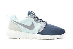 Image of Nike Roshe Run Vent Fiberglass/Squadron Blue