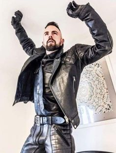 Leather Jeans, Biker Leather, Mens Riding Boots, Leather Jackets Online, Leder Outfits, Men In Uniform, Hot Men, Sexy Men, Ripped Muscle