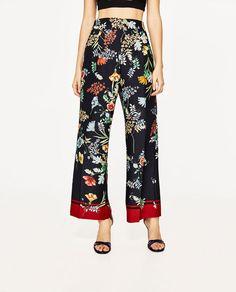 Immagine 3 di PANTALONI FLUIDI STAMPA PINCES di Zara