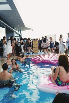 @merodeapr #MerodeaSummerCabanaSummer Pool Party @ La Roca Fajardo, Puerto Rico. Photo by @liaryz