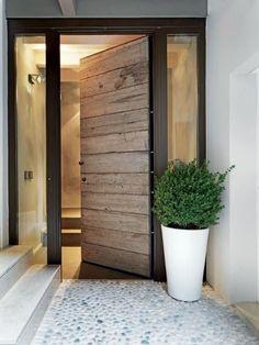 21 Trendy Black Front Doors for 2018 - inspiring home - Door Design Front Door Entrance, Exterior Front Doors, House Front Door, House Doors, House Entrance, Front Door Decor, Exterior Shutters, Main Entrance, Entrance Foyer