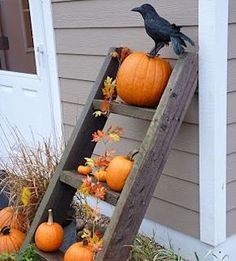 Beautiful Inspiring Outdoor Fall Decor Ideas 24 If you're looking for a simple and inexpensive solution for covering your deck, porch, or patio, you may want to look at the many advantages of indoor outdoor carpeting. In order to reach a s… Rustic Fall Decor, Fall Home Decor, Autumn Home, Rustic Mantel, Rustic Farmhouse, Fall Decor Outdoor, Country Fall Decor, Fall Yard Decor, Rustic Kitchen