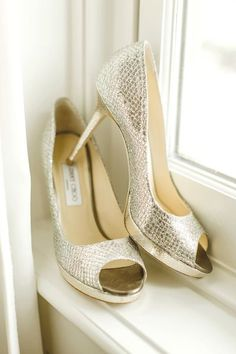 Gold open toe shoes - so classy