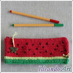 Crochet Pencil Case, Crochet Cat Pattern, Crochet Pouch, Crochet Purses, Crochet Patterns, Crochet Fruit, Cute Crochet, Crochet Crafts, Crochet Hooks