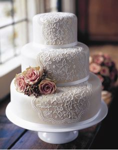 Lace icing effect wedding cake